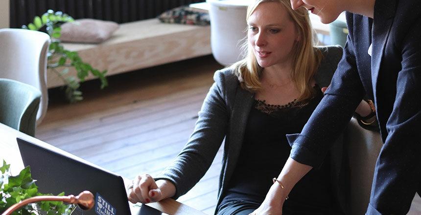 la communication bienveillante fournit les concepts et méthodes essentiels dans le déploiement d'une écoute active des collaborateurs et la valorisation des compétences de chacun.